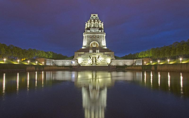 Monument to the Battle of the Nations at night
